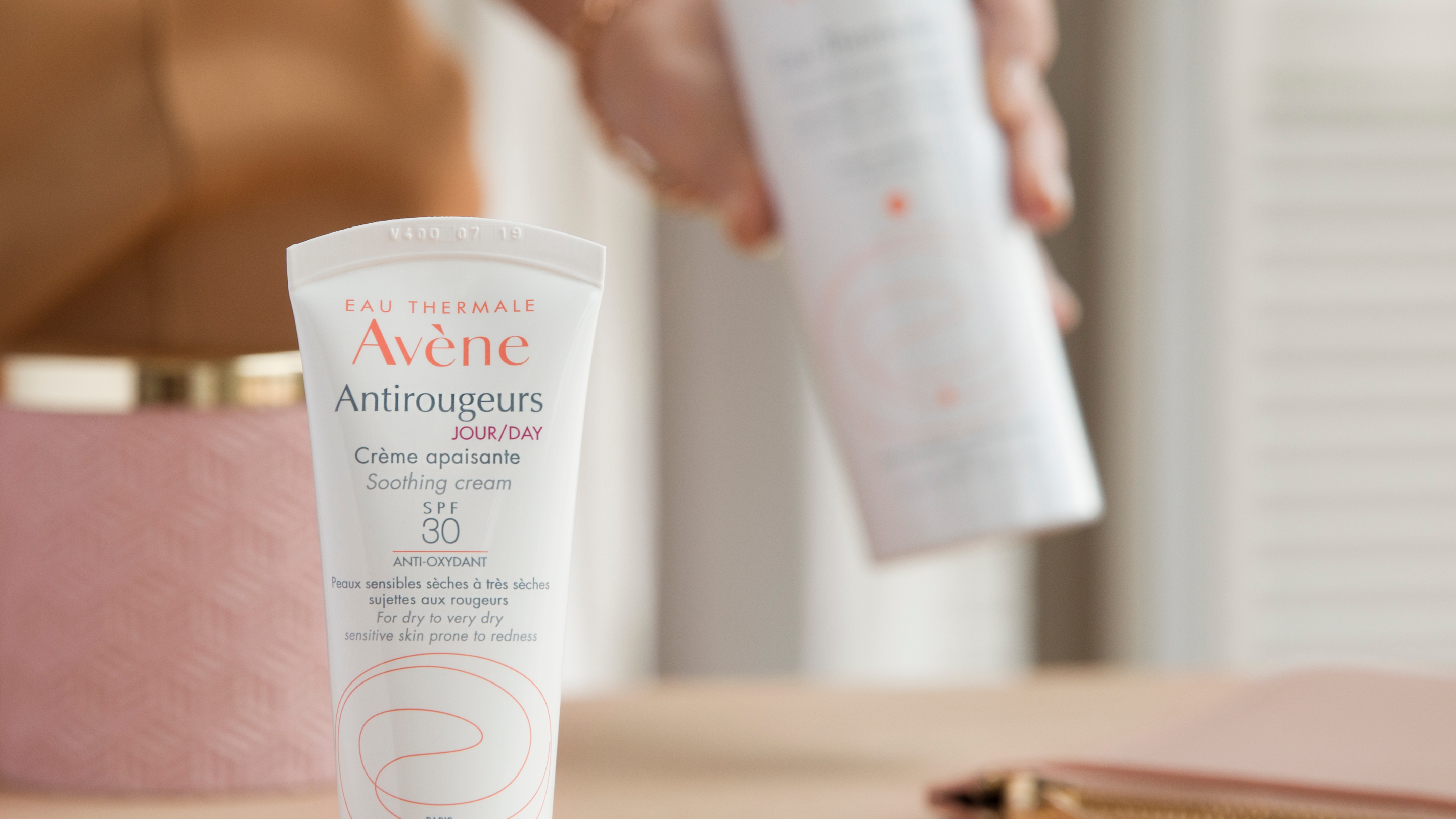 AV_ Antirougeurs_Day Soothing Cream-Spray_social_post_3282770203554_HD